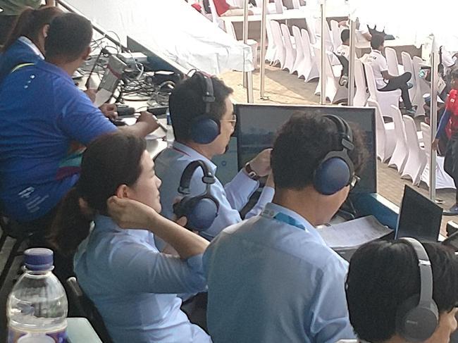 朴成贤在看台上