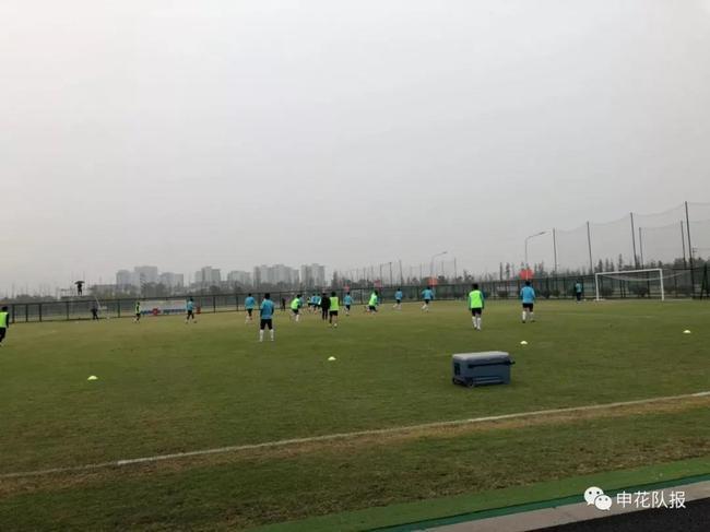 申花分组对抗训练 前中韩国脚齐上阵这是咋回事?