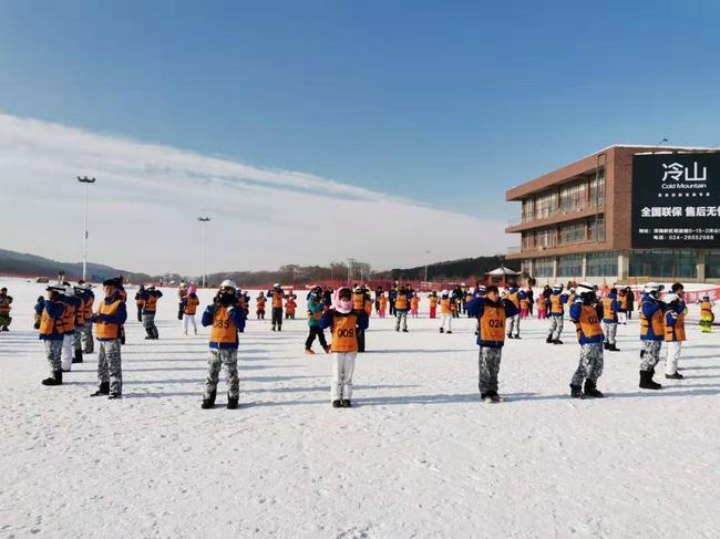 沈阳怪坡国际滑雪场冬令营