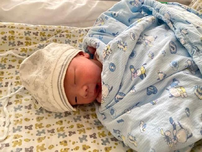 上港最强奶爸已有4个孩子 两儿子让吕文君亚历山大