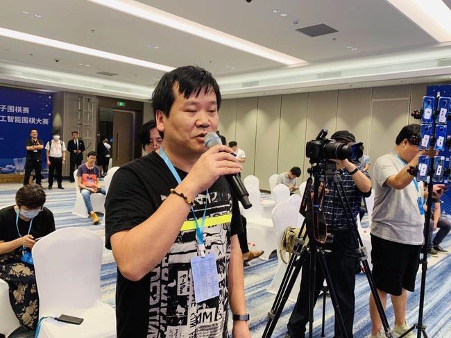 天元围棋频道记者挑问