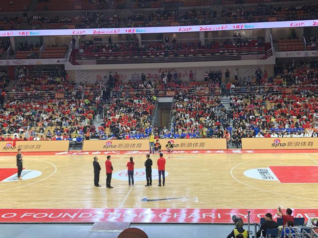 姚基金慈善赛-中国篮球明星队击败男丁格尔队