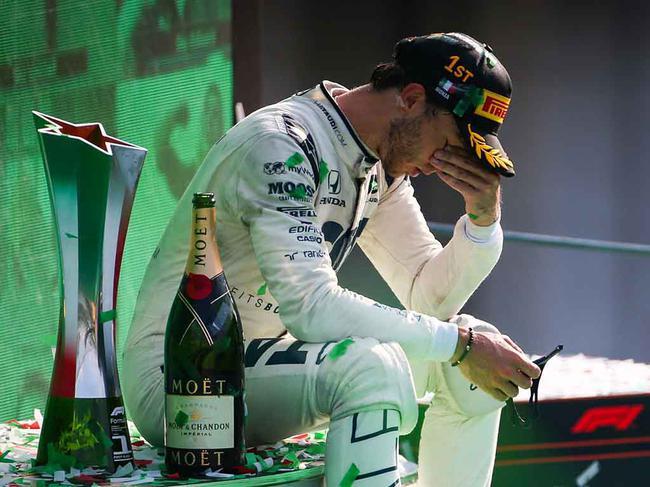加斯利在蒙扎登上了冠军领奖台