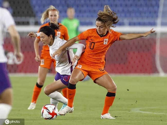 黃健翔:中國女足本應獲得點球 我有點不理解了