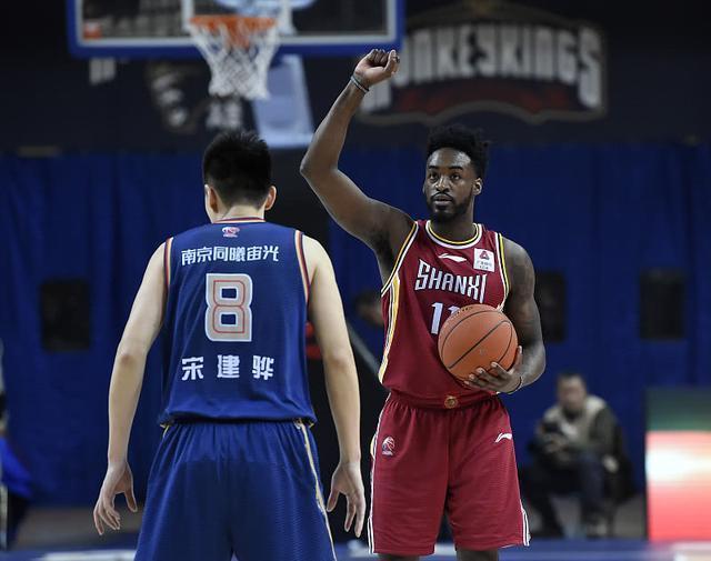 富兰克林正式与上海男篮合练 冯莱入队倒计时