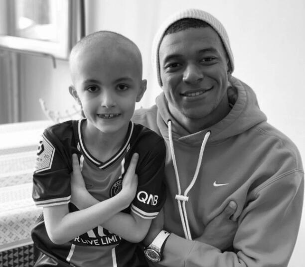 姆巴佩感人信件写给癌症小球迷:天堂里的小天使