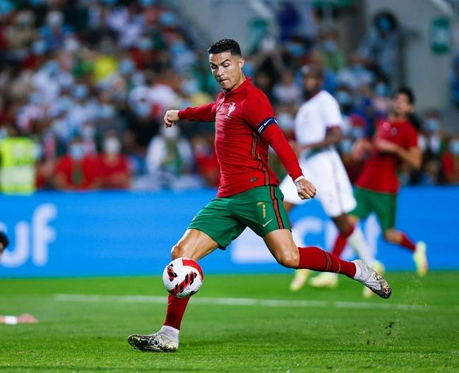 C罗:能够为葡萄牙队进球感到很自豪 继续为世界杯梦想而战!
