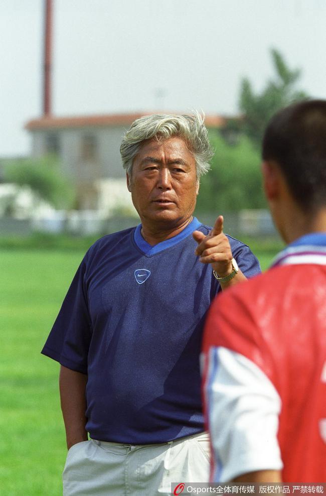 高丰文曾卸任后面对多家执教邀请下 选择开办足校
