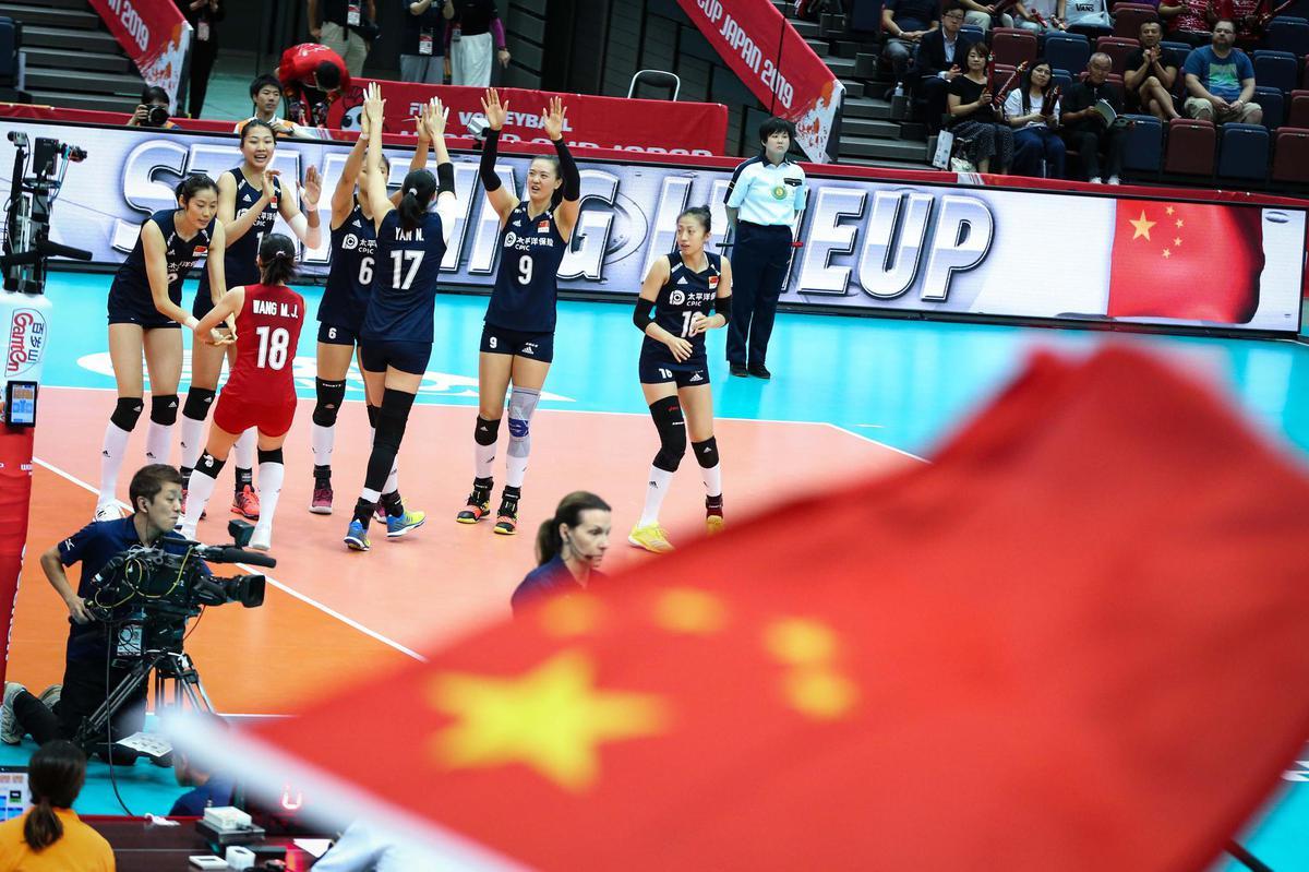 Chinaplayersenterthematchcourt