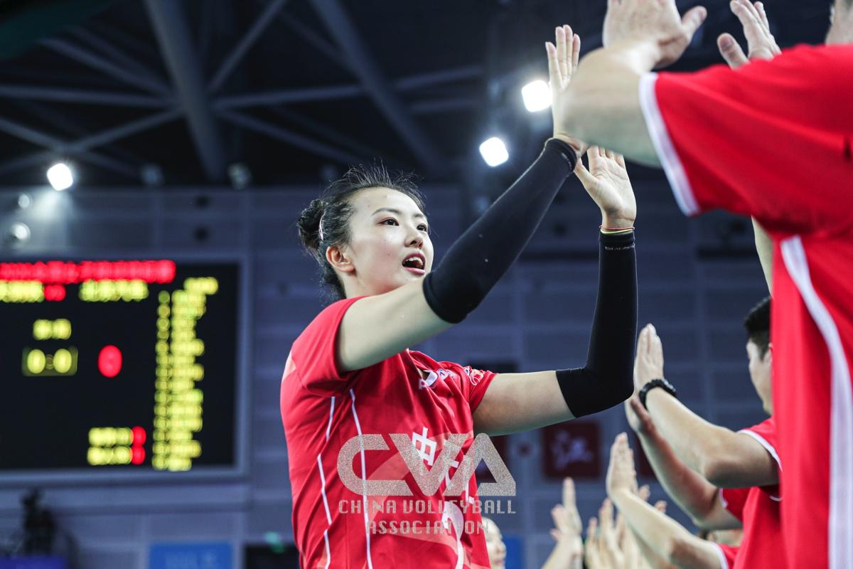 值得重视的是江苏女排能否连续小组赛不败金身豪取六连胜。