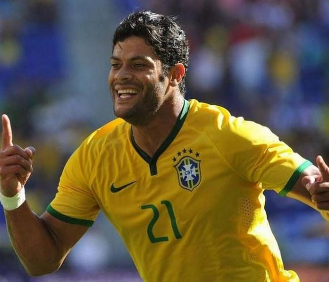 胡尔克:去年我在中超踢球   现在竟然入选巴西队