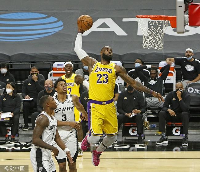 NBA首位!詹姆斯总薪水将突破4亿 杜库紧随其后