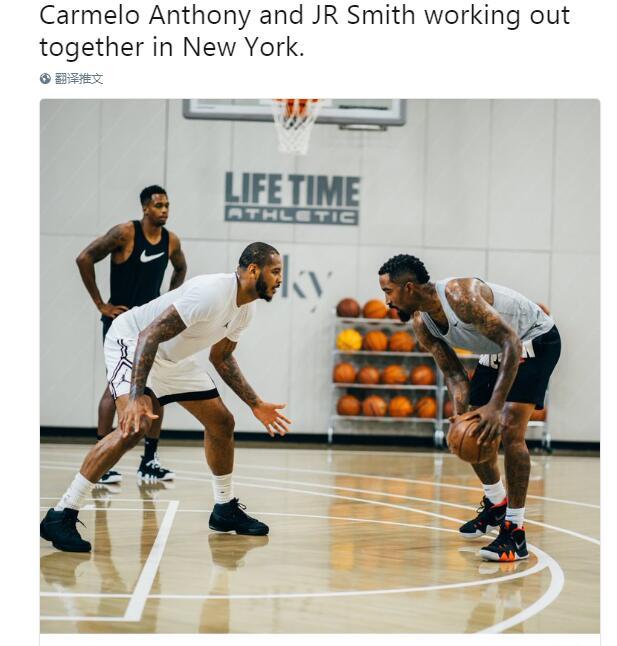 安东尼与JR一同训练