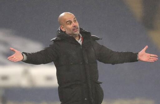 英超出台新规则,要求球员们在庆祝进球时防止拥抱