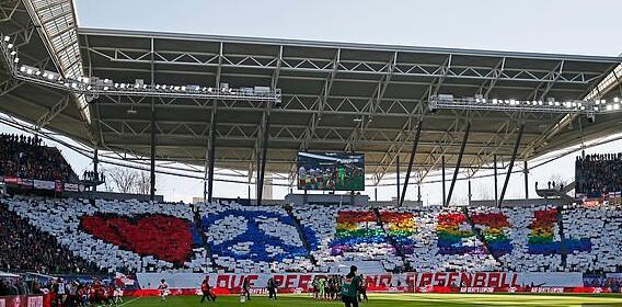 日本球迷被逐出德甲赛场 保安:你是日本人有病毒