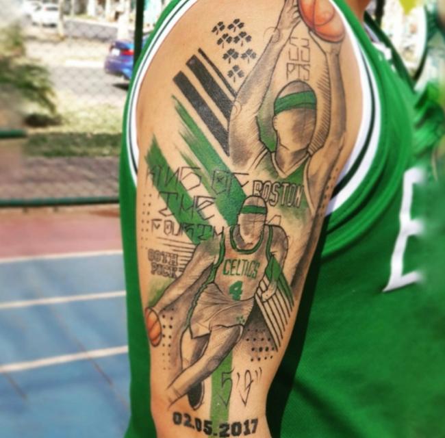球迷晒小托马斯纹身:兄弟 你激励着许多人!