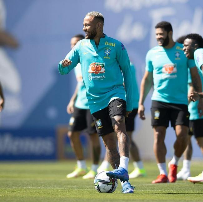 巴西媒体集体差评内马尔:对阿根廷他应坐替补席了