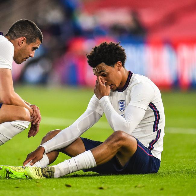 官方!阿诺德无缘随英格兰战欧洲杯 因伤休战6周