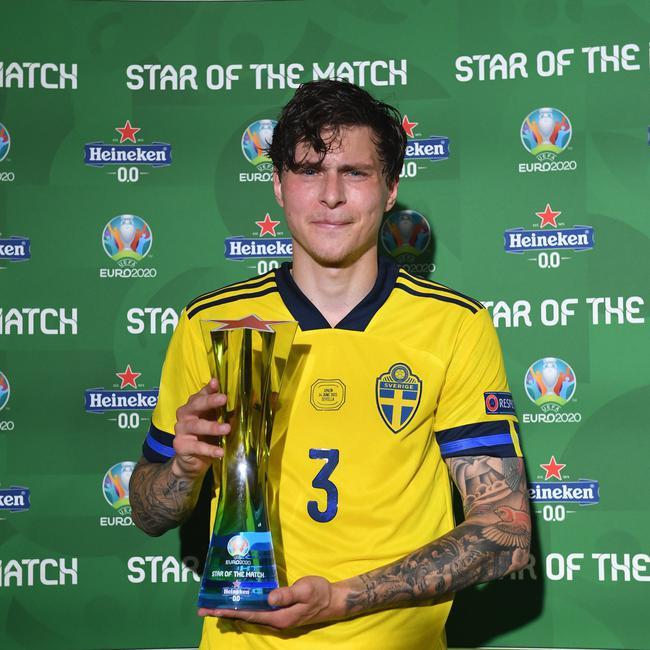 林德洛夫当选全场最佳球员 瑞典这防线打不透