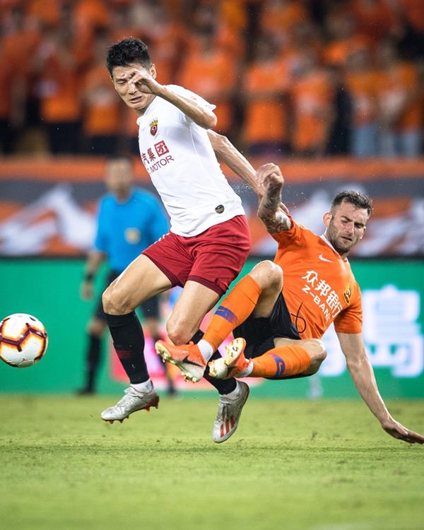 上港已经落后恒大四分 重心该向亚冠足协杯转移?