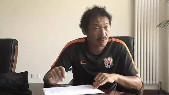 日本教练扎根鲁能青训 一针见血指明中国青训问题