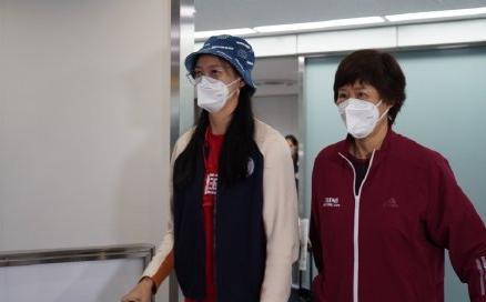中国女排抵日后首训 郎平:队员非常期待这个比赛