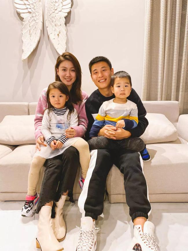 武磊与家人