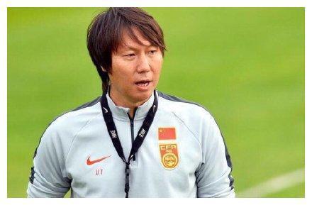 李铁生涯回顾:球员时代的辉煌 3年内辅佐4大名帅