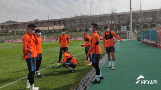 鲁能外援预计3月底与球队会合 外教回归隔离14天