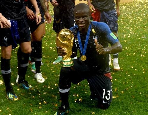 观点:法国最强之人不是姆巴佩是他 他该拿金球奖