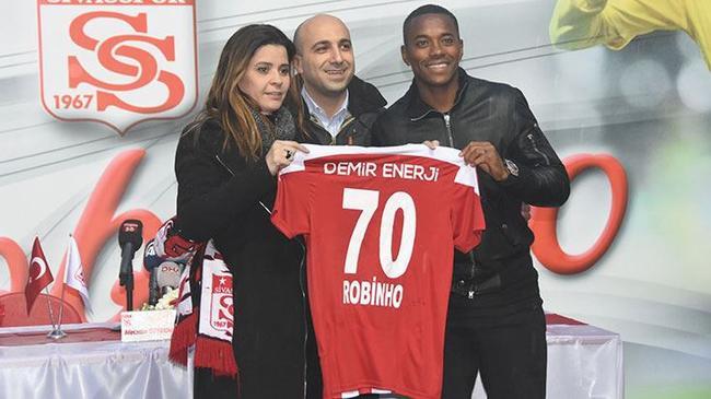 罗比尼奥来到了土耳其的锡瓦斯体育