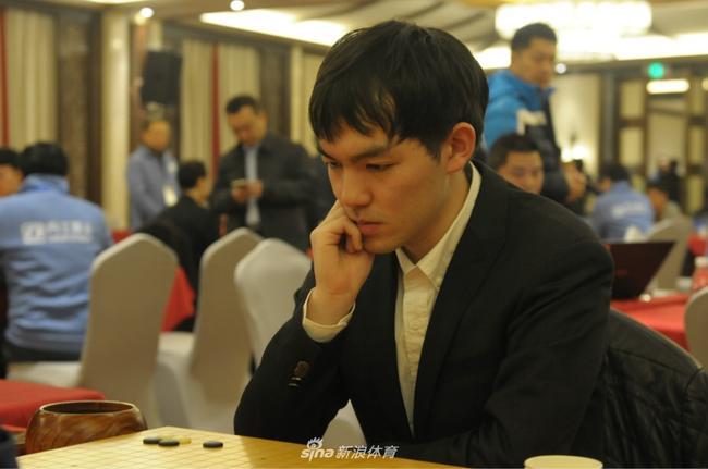 李轩豪在比赛中