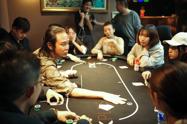 扑克与艺术有何相通之处? 音乐人阿樑这么说
