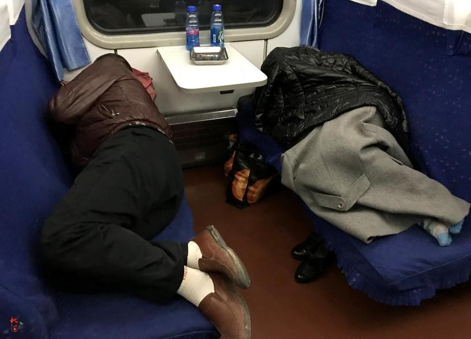 普通�y�by��(K�_成都至西安普通列车遇冷,k字头车硬座变卧铺