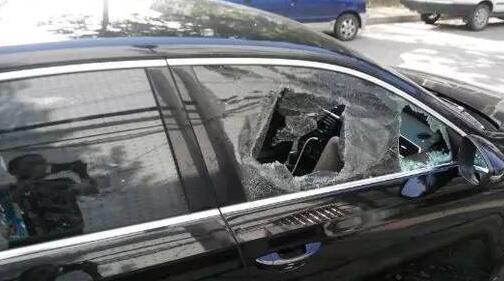 渭南一男子砸车玻璃盗窃 最多时一夜作案6起