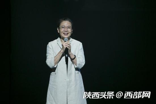 优人神鼓创办人艺术总监刘若瑀致辞。