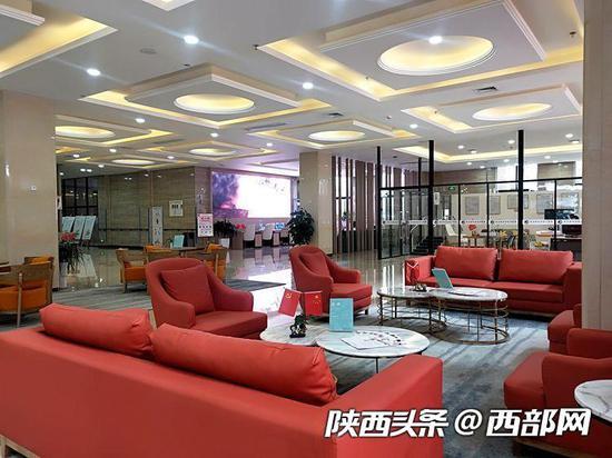 曲江老年服务中心的接待大厅。