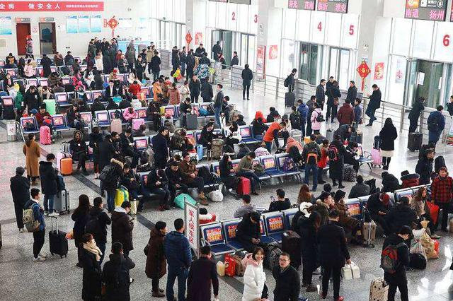 返程客流增加 西安局集团公司又加开列车80列
