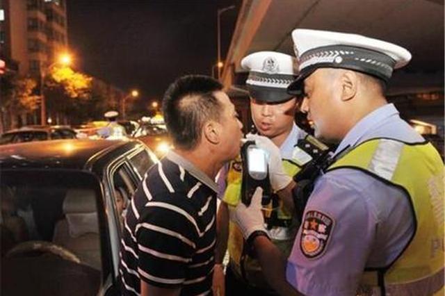 西安交警加大酒驾醉驾查处力度 保障市民双节顺畅出行
