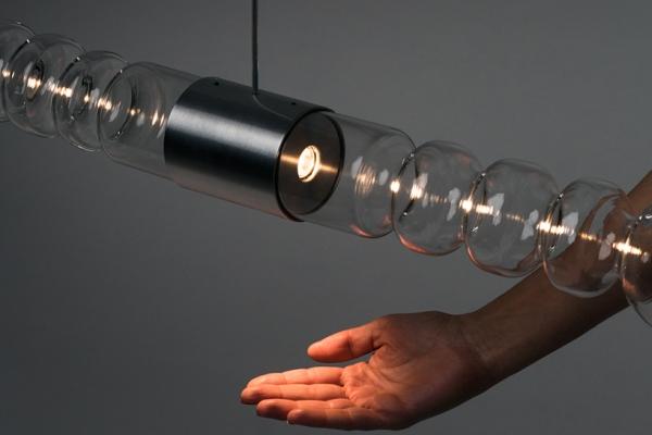 纯手工制作创意照明灯 发出谜一样的光线