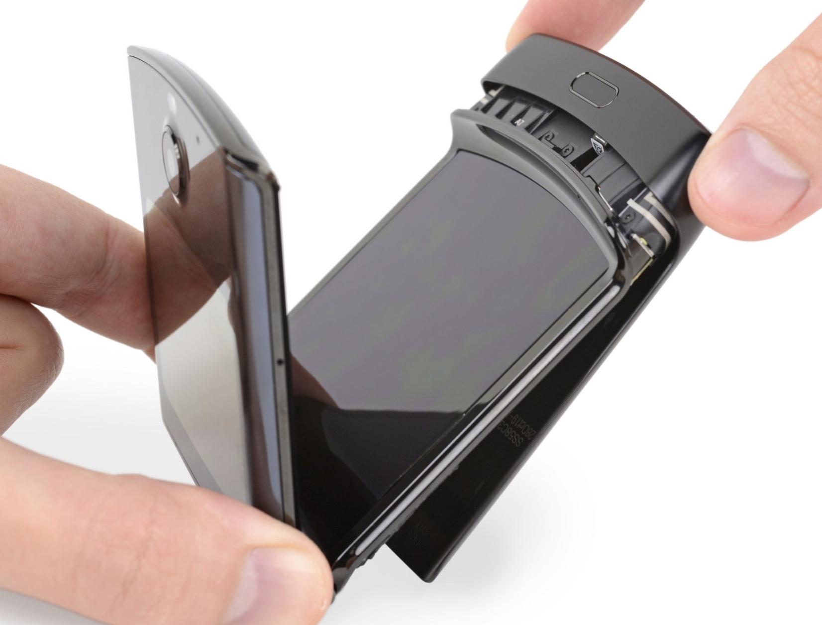 iFixit拆解摩托罗拉Razr:最复杂智能手机,可修复