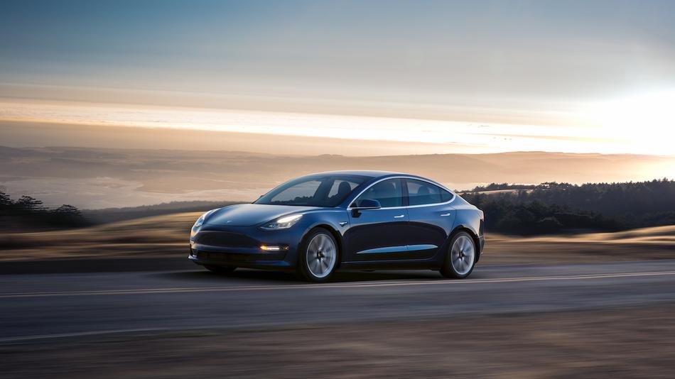 Model 3试驾体验:极简中控设计 空间令人意外的照片 - 1