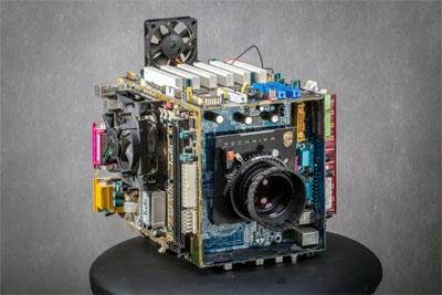 脑洞大开的DIY 电脑主板?#33041;?#22823;画幅相机