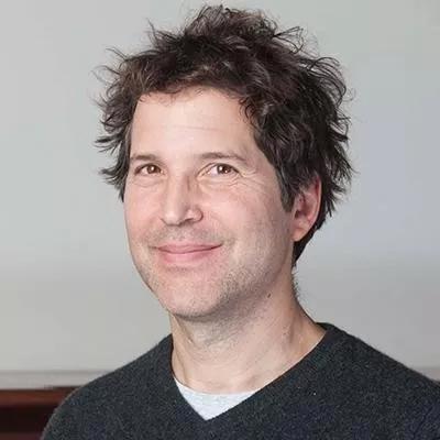 ▲大卫·贝克教授是人工设计蛋白领域的领军人物之一(图片来源:HHMI)