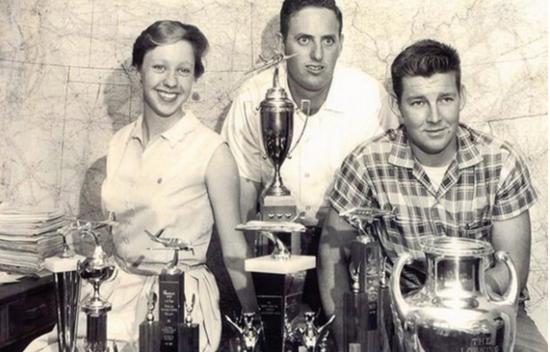 Wally Funk获得的Flying Aggies奖杯,图片来自于俄克拉荷马州立大学官网