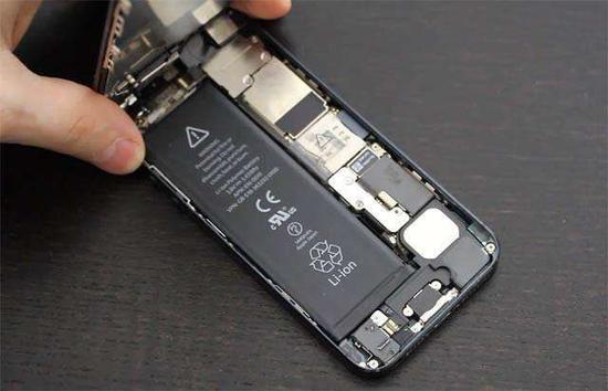 iPhone 11的电池容量提升了