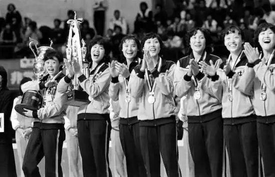 朴槿惠案发回重审 韩媒:或加重刑期出狱恐超百岁