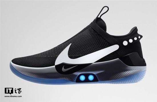 """售价350美元耐克可自动系鞋带的篮球鞋固件更新""""变砖"""""""