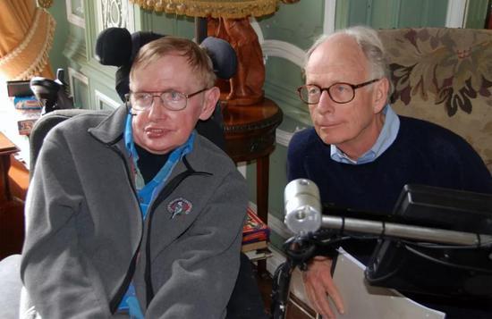 霍金與哈特爾,攝于 2014 年。圖片來源:Cathy Page