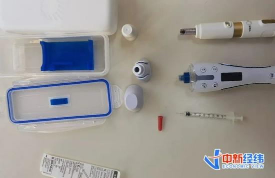 ▲图片右边从上到下分别为无针注射器、电子笔式注射器与普通针头注射器